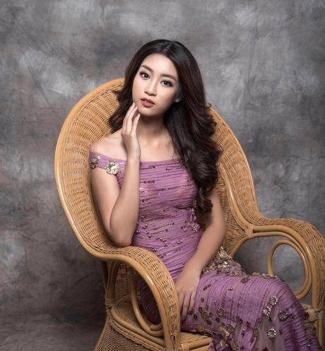Hoa hau Do My Linh cuon hut voi hinh anh yeu kieu - Anh 3