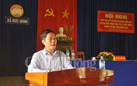 Bo truong Bo Cong Thuong Tran Tuan Anh tiep xuc cu tri tinh Quang Ngai - Anh 2