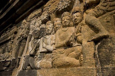 Kham pha Borobudur ky quan Phat giao lon nhat the gioi - Anh 10