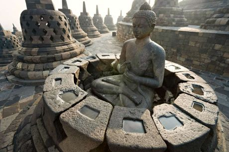 Kham pha Borobudur ky quan Phat giao lon nhat the gioi - Anh 11