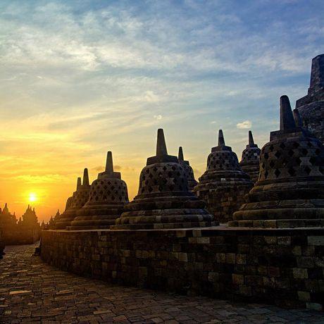 Kham pha Borobudur ky quan Phat giao lon nhat the gioi - Anh 17