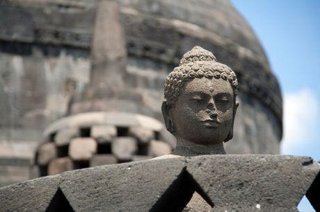 Kham pha Borobudur ky quan Phat giao lon nhat the gioi - Anh 19