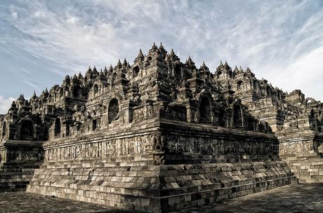 Kham pha Borobudur ky quan Phat giao lon nhat the gioi - Anh 4