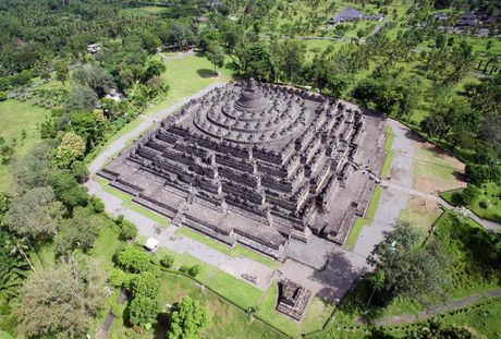 Kham pha Borobudur ky quan Phat giao lon nhat the gioi - Anh 5