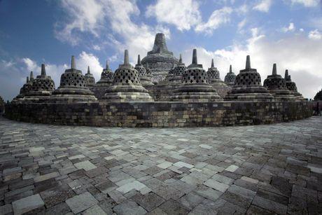 Kham pha Borobudur ky quan Phat giao lon nhat the gioi - Anh 7