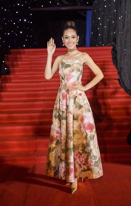 Xu huong tre vai, xe dui,…can quet tham do chung ket Vietnam's Next Top Model 2016 - Anh 5