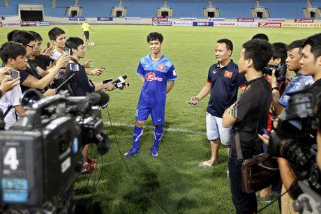 Cong Phuong va lieu 'doping' cua doi tuyen - Anh 1
