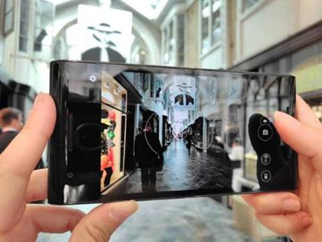 Sieu smartphone Solarin chinh hang ve Viet Nam - Anh 3