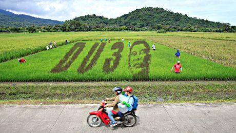 Ba thang sau ngay nham chuc, Tong thong Duterte van duoc long dan - Anh 1