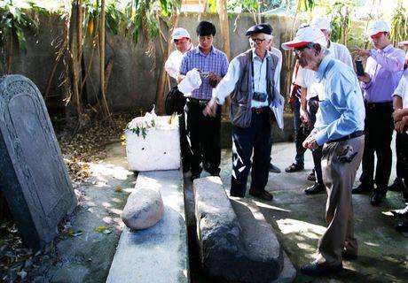 Khai quat tham do dau vet mo vua Quang Trung - Anh 2