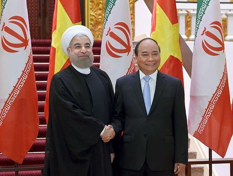 Thu tuong Nguyen Xuan Phuc hoi kien voi Tong thong Iran - Anh 1