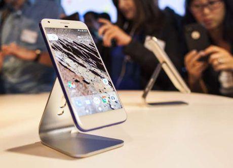HTC tro lai vai tro cua nguoi gia cong dien thoai thue - Anh 1