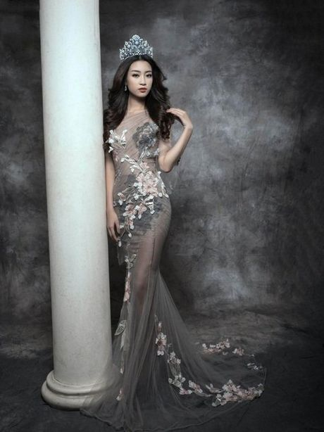 Bien hoa nhan sac khong ngo cua Hoa hau My Linh - Anh 4