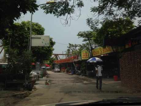 Cho am thuc bam nat hanh lang de song Hong - Anh 1