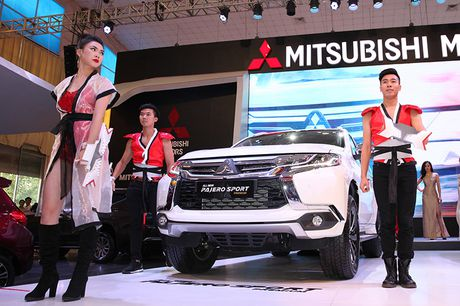 Vietnam Motor Show 2016: Pajero Sport la tam diem gian hang Mitsubishi - Anh 1
