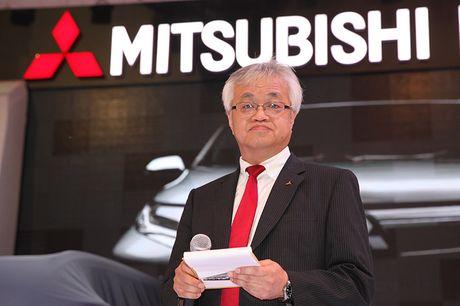 Vietnam Motor Show 2016: Pajero Sport la tam diem gian hang Mitsubishi - Anh 2