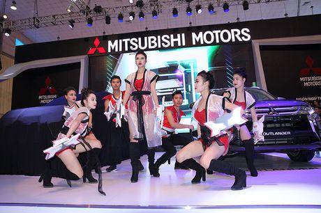 Vietnam Motor Show 2016: Pajero Sport la tam diem gian hang Mitsubishi - Anh 3