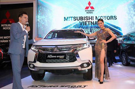 Vietnam Motor Show 2016: Pajero Sport la tam diem gian hang Mitsubishi - Anh 7