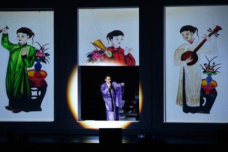 Xuan Hinh 'choc' khan gia cuoi nghieng nga trong liveshow de doi - Anh 15