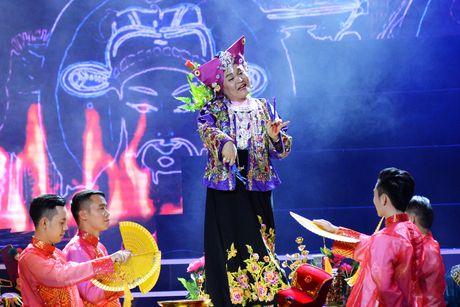 Xuan Hinh 'choc' khan gia cuoi nghieng nga trong liveshow de doi - Anh 17