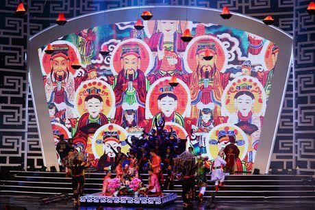 Xuan Hinh 'choc' khan gia cuoi nghieng nga trong liveshow de doi - Anh 18