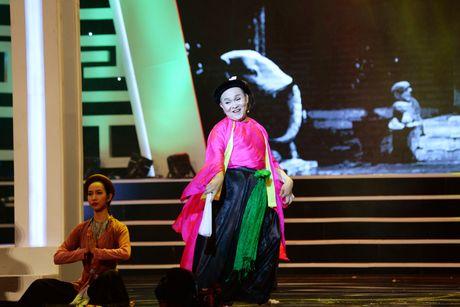 Xuan Hinh 'choc' khan gia cuoi nghieng nga trong liveshow de doi - Anh 3
