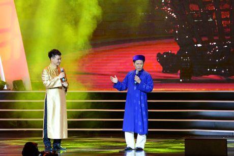 Xuan Hinh 'choc' khan gia cuoi nghieng nga trong liveshow de doi - Anh 9