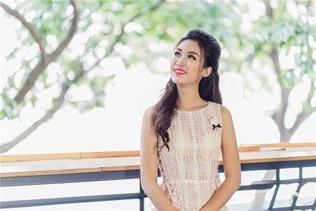 Hoa hau Do My Linh: 'Khong phai dai gia nao cung xau' - Anh 4