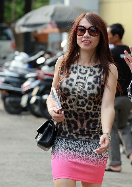 Em gai sanh dieu nhat cua Hoai Linh bat ngo ve nuoc - Anh 2