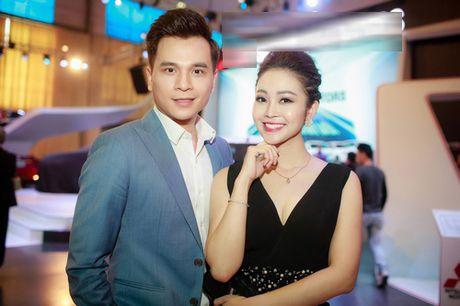 MC Thuy Linh dep doi ben Danh Tung - Anh 1