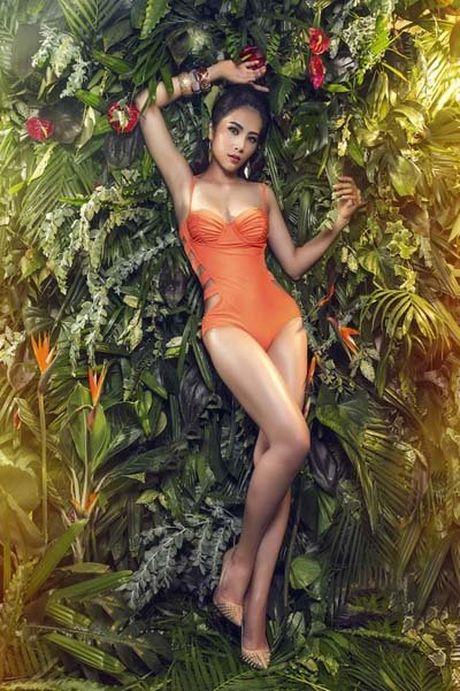 'Bong mat' ngam hoa khoi Nam Em trong nhung bo bikini sexy - Anh 1
