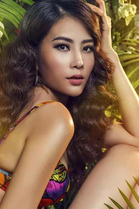 'Bong mat' ngam hoa khoi Nam Em trong nhung bo bikini sexy - Anh 2