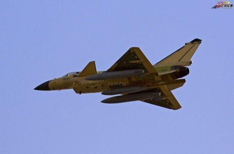 Bi an phien ban tiem kich J-10C cua Trung Quoc - Anh 7