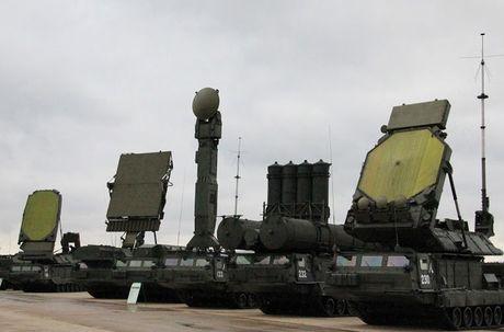 Lo dien doi tuong ten lua S-300V4 Nga o Syria 'ngam ban' - Anh 7