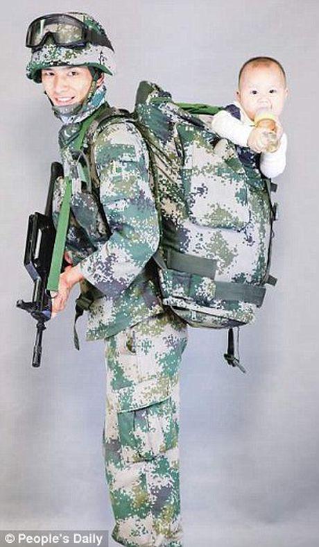 Xuc dong binh si lan dau gap con trai 9 thang tuoi - Anh 6