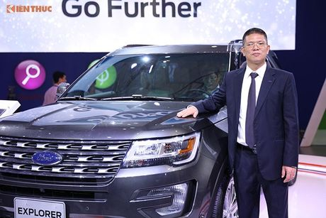 Ford Viet Nam ra mat Explorer 2017 'chot gia' 2,18 ty dong - Anh 2