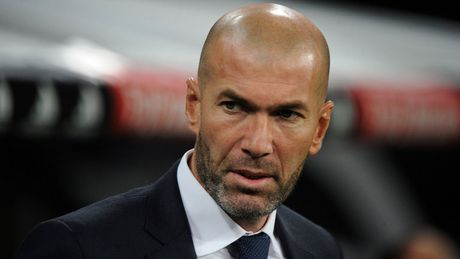 HLV Zidane: 'Som hay muon toi cung se bi sa thai' - Anh 1