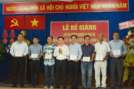 86 hoc vien nhan Chung nhan lop Boi duong nghiep vu Bao chi nganh KSND khu vuc phia Nam - Anh 5