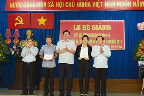 86 hoc vien nhan Chung nhan lop Boi duong nghiep vu Bao chi nganh KSND khu vuc phia Nam - Anh 6