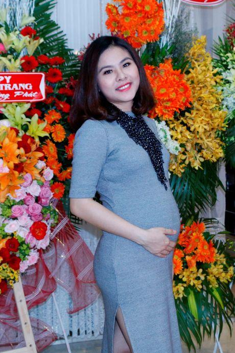 Dien vien Van Trang da sinh con gai dau long - Anh 2