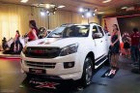 Isuzu gioi thieu D-Max phien ban Type X voi ngoai that the thao hon - Anh 29