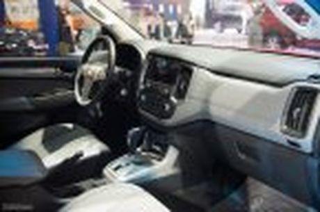 Chevrolet ra mat Colorado 2017, bo sung cong nghe, 5 phien ban, gia tu 619 trieu - Anh 16