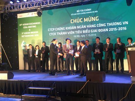 HNX vinh danh 15 CTCK tieu bieu giai doan 2015-2016 - Anh 6