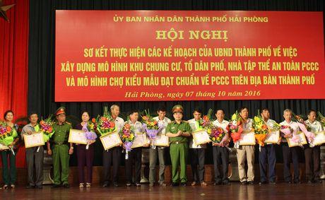 Hai Phong: Vinh danh 79 don vi dien hinh tien tien lam tot cong tac PCCC - Anh 4