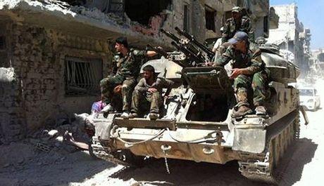 Quan doi Syria chiem dinh doi chien luoc o phia bac Aleppo - Anh 1