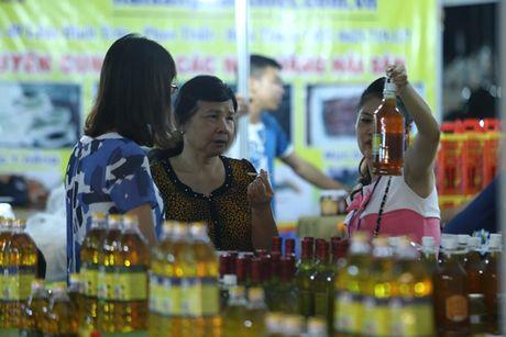 """Nguoi dan Thu do do xo di mua nong san """"sach, chat luong cao"""" - Anh 3"""