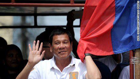Tin cuoi ngay: Philippines - Tong thong noi mot dang, tuong noi mot neo - Anh 1