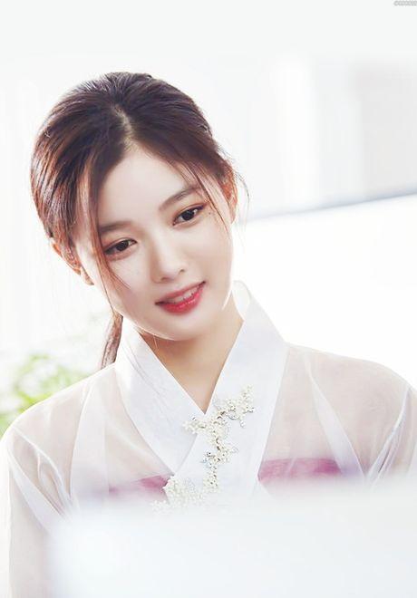 "Dung giat minh neu ban biet ""nu than nhi"" Kim Yoo Jung da dong tung nay phim - Anh 1"