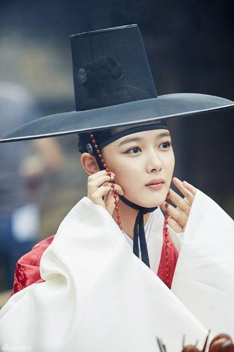 "Dung giat minh neu ban biet ""nu than nhi"" Kim Yoo Jung da dong tung nay phim - Anh 7"