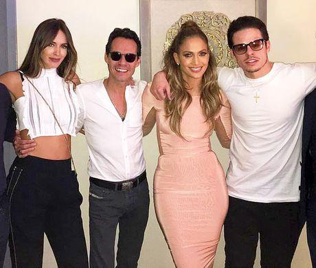 Jennifer Lopez va chong cu bat ngo tai hop - Anh 5